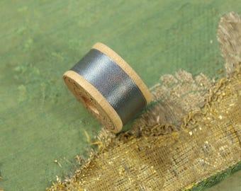 1 vintage pure silk buttonhole twist thread spool 923 d slate gray blue shade 10 yards size D Belding Corticelli