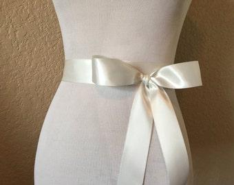Ivory Bridal Sash.Ivory Ribbon Sash.Ivory Ribbon Belt.Ivory Bridesmaid Sash.Off white Sash.Off white wedding sash.Off white bridal sash
