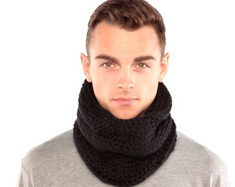 Black Wool Cowl, Chunky Knit Snood, Hand knitted in Merino Wool, Black knitted scarf, Black Wool Scarf
