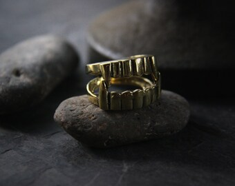 Vamprire Fang Ring by Defy / Unique design and handmade Jewelry / Adjustable Brass Ring