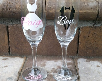 Personalized Bride and Groom Toasting Glasses, Custom Champagne Glasses, Personalized Wedding Gift, Engagement Gift
