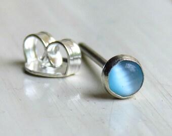 CARTILAGE STUD / Helix Stud Earring - Tiny Cartilage Studs
