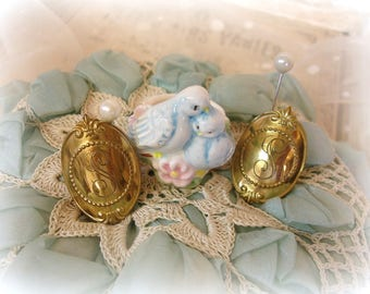 vintage avon candle accessories ceramic birds candle ring + pair gold tone S monogram candle tacks candle embellishments