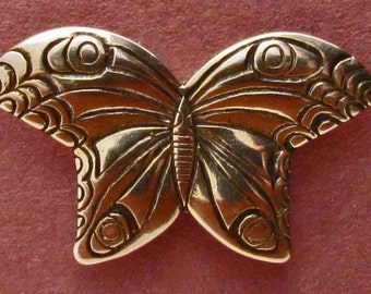 Large Butterfly Button - B642