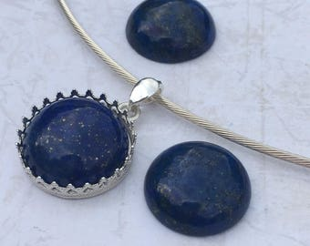 Sterling Silver 925/1000 and blue Lapis lazuli gemstone.