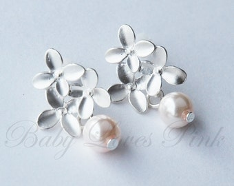Sweet Floral Bouquet White Gold Earrings
