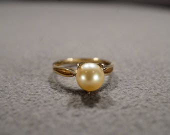 Vintage Sterling Silver Yellow Gold Overlay Band Ring Round Cultured Pearl Fancy Raised Prong Setting Design Art Deco Style, Size 6.5