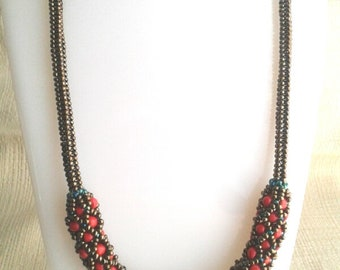 Tennet Necklace, Orient Red