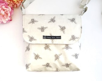 Bee bag, bee print, bee fabric, bee gifts, fabric bag, crossbody bags, crossbody purses, fabric handbags, waterproof bag