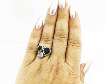 Iolite and Rainbow Moonstone Ring 925 Sterling Silver Indigo & Opalescent 6.54 Grams Size 7