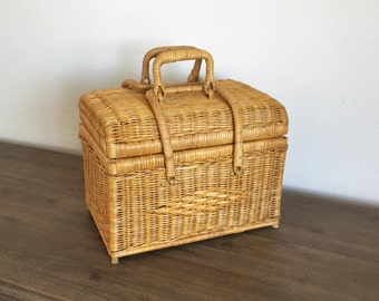 Picnic Basket; Wicker Picnic Basket; Woven Picnic Basket; Willow Picnic Basket; Vintage Picnic Basket; Wicker Storage Basket; Sewing Basket