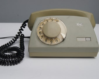 Green rotary phone -SALE- 50% OFF - vintage phone - 80s - RWT