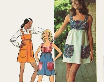 ON SALE Vintage 70s Misses Mini Jumper Dress Sewing Pattern Simplicity 5511 1970s Retro Pattern Size 8 Bust 31.5 UNCUT