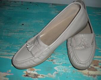 vintage Cream Tan SAS walking Shoes Tassel Loafers Moccasins Women's 9
