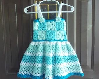 Sechs Monate, Mädchen, Baby, Kleid, Kleider, Petrol, Mint, weiß, Geschenk, Foto, Gehäkelte