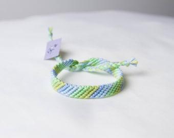 Friendship bracelet 54a - Pastel collection