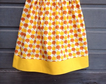 Yellow and gold apples skirt with golden trim / Girls skirt / Summer skirt / Girls bathing suit cover up / Yellow patchwork skirt / Size 4-6