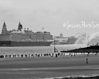 Gathering For the Queen Mary 2 Canvas Photograph Size - A2, A3 + A4.