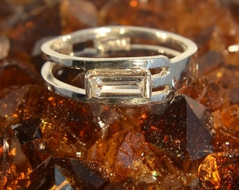 Scaffold - White Sapphire gemstone ring
