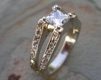 Engagement Ring 14K White Gold with Princess cut Diamond Center Stone