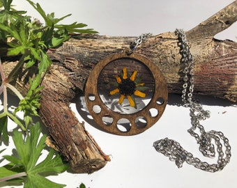 Brown Eyed Susan Flower Wooden Necklace-  Real - Botanical - Floral -
