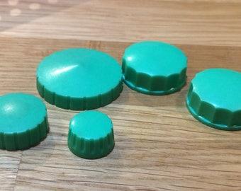5 Vintage Knobs Green Radio Audio  Plastic Push On