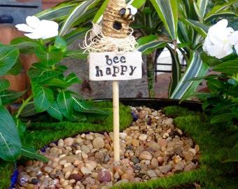 Bee Happy Sign
