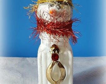 "Vintage Salt Shaker Snowman ""Ivy"", Glass Shaker, Glitter Snowman Decoration, Snowman Assemblage, Christmas Collectible, Original"