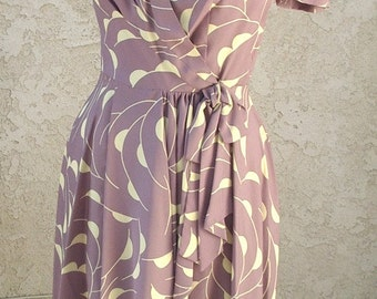 Reduced 1980s New Wrap Dress Designer Sample Mauve/ Cream Print Size 9Jr. Item # 406 Daytime Dresses