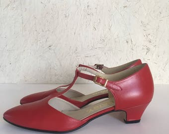 Red Leather T Strap Mary Jane Shoes 8 1/2 AA