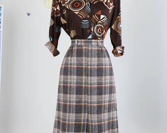 """1950s Skirt - Plaid A-line Midi Skirt - Wool - Front Slit - Brown Grey White Gold - Classic Vintage - Size Small 26"""" Waist"""