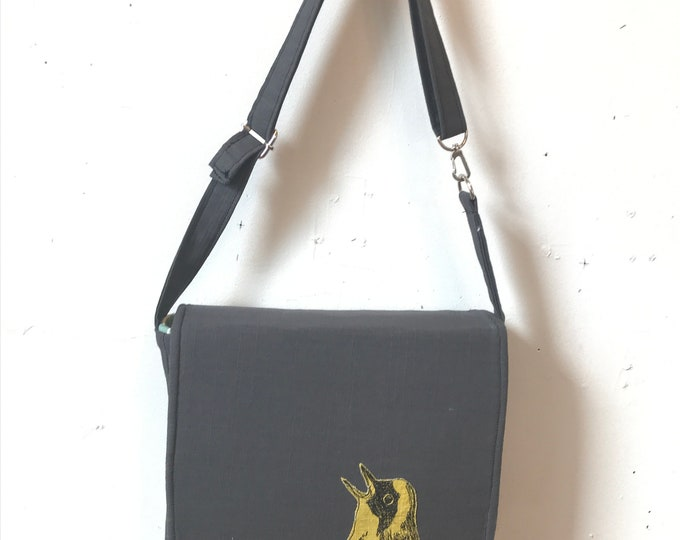 Featured listing image: Common Yellow-Throat  stitched drawn messenger bag with free accessory