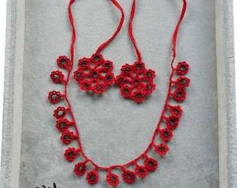 red necklace Isaline