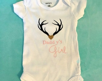 Daddy's girl bodysuit, coming home outfit, daddy's girl baby, new dad gift, gift for dad, coming home outfit, baby shower gift, antler baby