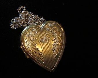Huge Heart - Vintage Locket Necklace