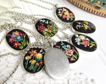 Mom necklace, everyday necklace for women, jewelry gift, flower pendant, embroidered necklace, silver necklace, hand embroidery
