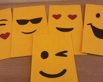 Set of 12 Emoji birthday party favor bags goodie treat bags