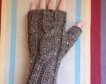 Fingerless gloves - Brown Tweed w/black & cream flecks