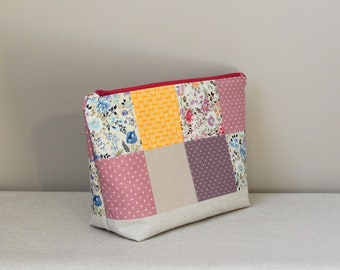Zippered makeup bag, cosmetic bag, patchwork cosmetic bag, toiletry bag, bridesmaid gift, travel bag, zipper pouch, cosmetic pouch