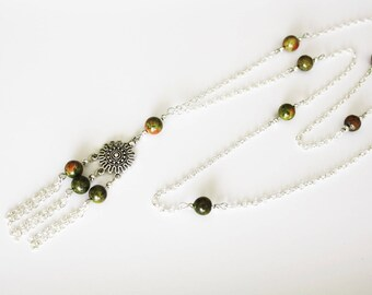 Necklace with pendant and Unakite gemstone beads