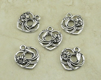 5 TierraCast Floral Heart Valentine Charm Pendants - Love Amour Bridal - Fine Silver Plated Lead Free Pewter - I ship Internationally 2385