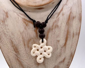 Necklace or bracelet infinite knot Tibetan buffalo bone and wood Bone Necklace Pendant Lucky Eternal Knot Endless Buddhist endless