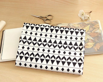 Geometric Pattern Oxford Cotton Fabric - Black and White - By the Yard 71601