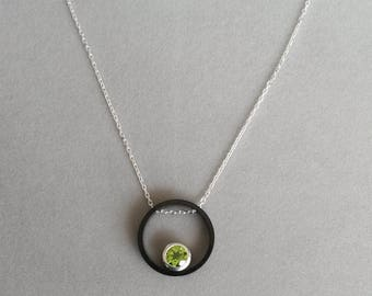 Round gunmetal silver chain necklace and Peridot