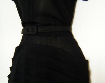 UNUSUAL 1950s Belted BLACK DRESS with crazy horizontal pleats, size m