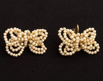 Vintage Metal String Faux Pearl Butterfly design earrings