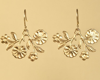 Vintage Floral Charm Earring