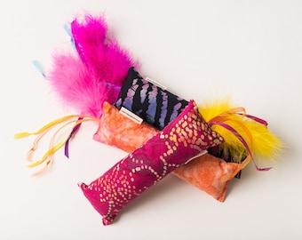 Batik Kickin Stick Cat Toy (1)