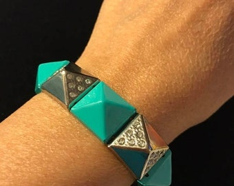 MAY SALE Vintage Lucite MOD Green, Silver with Clear Rhinestones Triangle Mod Streach Bracelet