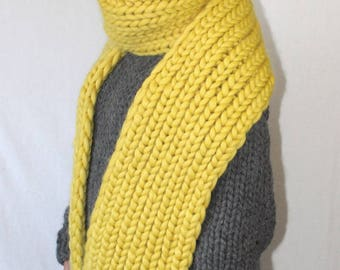 To order !!! Thick knit chunky scarf merino sheep wool bulky shawl heavy muffler for men hand knitted by Strickolino